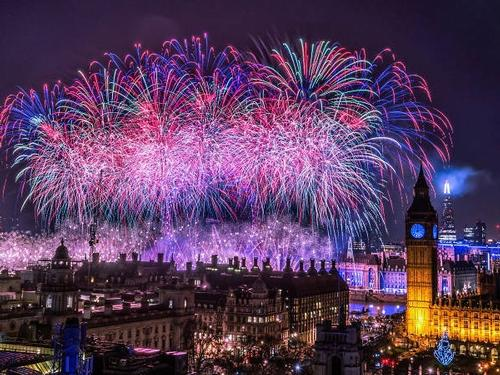 HAPPY NEW YEAR in LONDON - ENGLAND