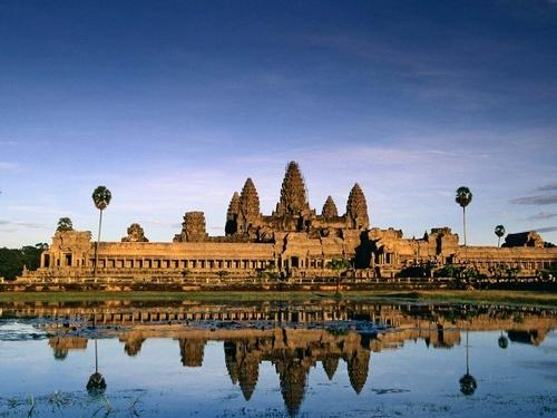 Mullingar Travel - Cambodia small group tour