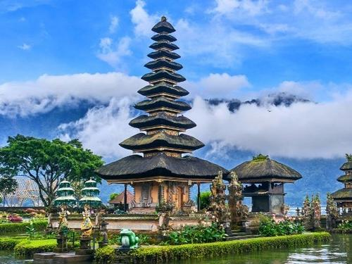 Mullingar travel - Hong Kong & Bali