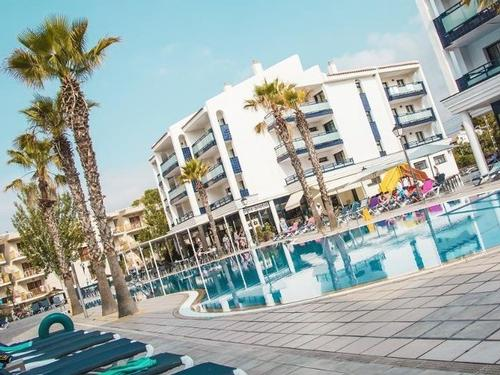 California Garden Salou Experience  7 nights  €2488