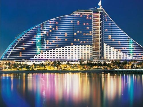 Grenham Travel - Dubai Half Board Offer - 5 Nights at 5* Jumeirah Beach Hotel fm only €1,625 pps