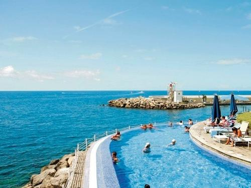 Marina Suites Hotel 4*  7 nights €2526