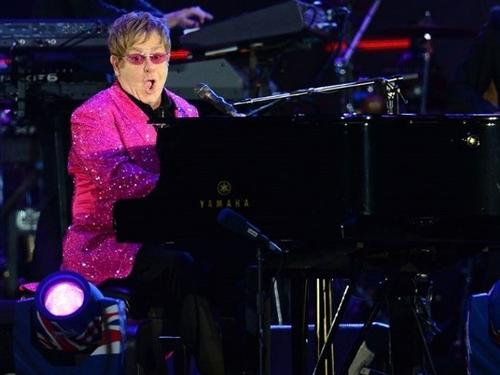See Elton John in Prague From Only €429pps