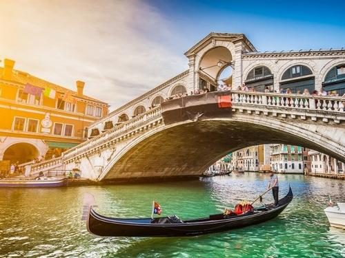 A ROMANTIC WEEK FOR VALENTINE'S DAY IN VENICE - ITALY