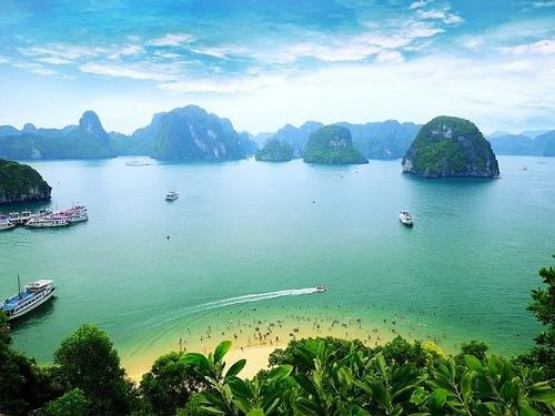 Grenham Travel - Vietnam at a Glance – SAVE €400 per person – 12 Days fm €2590 pps WAS €2990 pps
